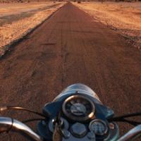 Sur les routes indiennes en Royal Enfield